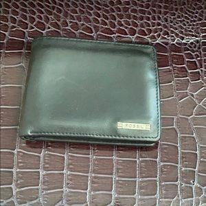 ✅FOSSIL Genuine Leather Wallet Billfold Cardholder